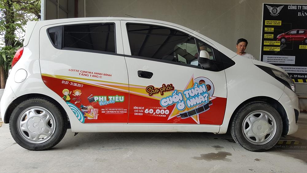 Quảng cáo trên xe taxi, grab