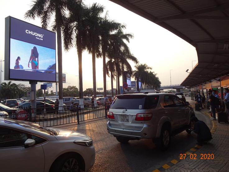 4 LED làn taxi T1 - sb Nội Bài